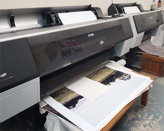 Large format printers for oversize photos, posters & canvas